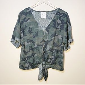 Fantastic Fawn | Camo Knot Front Top Large